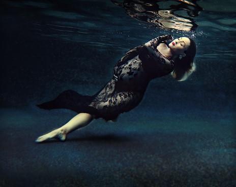 Perfekte Schwangerschaftsbilder mit Unterwasserfotografie